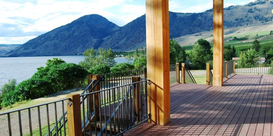 Gorgeous micro wedding venue options at the Lodge at Palmer Lake