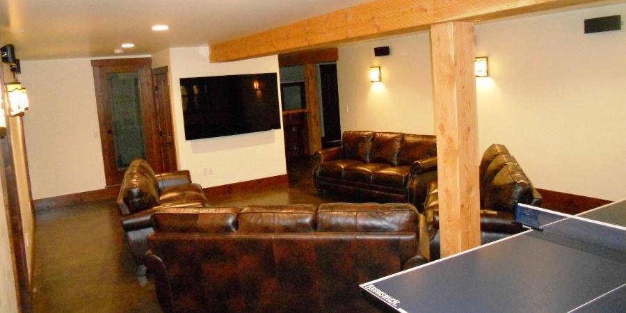 Family movie night at the Lodge at Palmer Lake