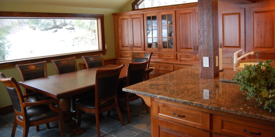 A vacation rental with a fully stocked kitchen at the Lodge at Palmer Lake